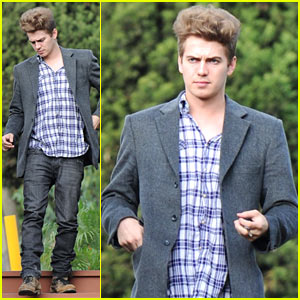 Hayden Christensen: Med Cafe Casual