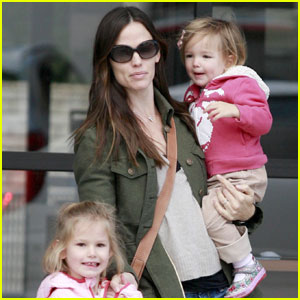 Jennifer Garner: Family Breakfast with Ben Affleck