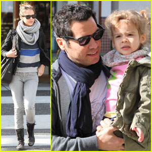 Jessica Alba & Cash Warren: Park Playdate with Honor!