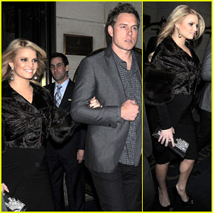 Jessica Simpson & Eric Johnson: Date Night in NYC!