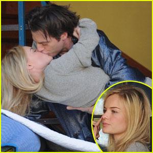 Kate Bosworth & Justin Kirk: Kiss Kiss!