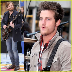 Kings of Leon: 'Radioactive' Today Show!