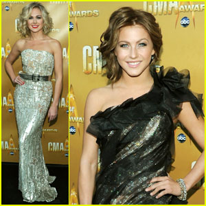 Laura Bell Bundy & Julianne Hough: CMA Awards 2010