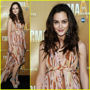 Leighton Meester Hits Up CMA Awards 2010
