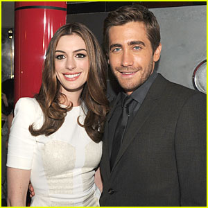 Anne Hathaway & Jake Gyllenhaal: 'Love and Other Drugs' Out Tomorrow!