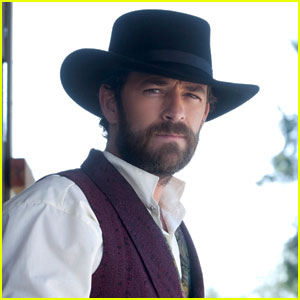 Luke Perry & Jason Priestley Want 'Justice'