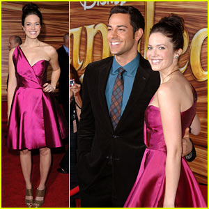 Mandy Moore & Zachary Levi: 'Tangled' Premiere Pair!