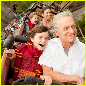 Michael Douglas: Wizarding World with Catherine & Kids!