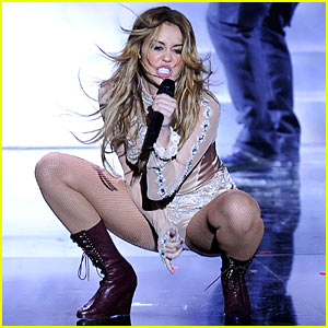 Miley Cyrus' EMAs Performance -- VIDEO