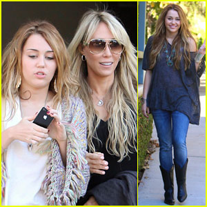 Miley Cyrus Gets Pampered With Mom