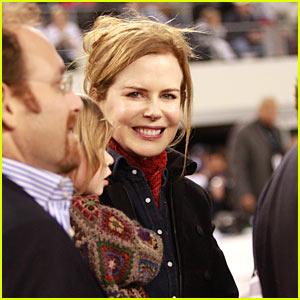 Nicole Kidman: Football Game with Sunday Rose!