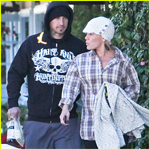 Pink Serves Dinner at Shelter with Carey Hart