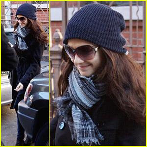 Rachel Weisz Bundles Up In NYC