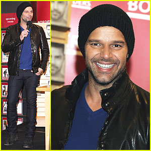Ricky Martin: 'Me' Signing in NYC!