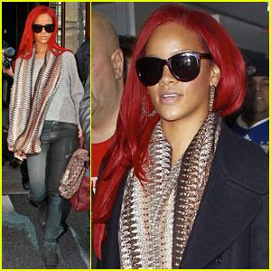 Rihanna: I Love My Navy!