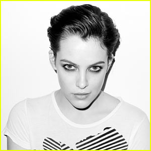 Riley Keough -- Short Hair Suits Her!