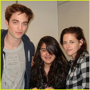 Robert Pattinson & Kristen Stewart: Fan Friendly in Brazil!