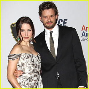 Sophia Bush & Austin Nichols: Compilation CD for Global Green!