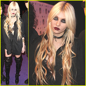 Taylor Momsen: MTV EMAs 2010 Red Carpet