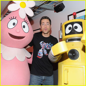Zachary Levi: Yo Gabba Gabba Live Party in My City!