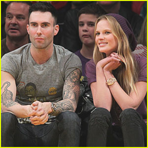 Adam Levine: Lakers Game with Anne Vyalitsyna!