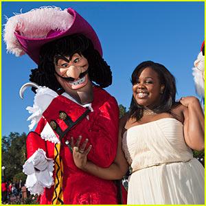 Amber Riley: Disney Parks Christmas Day Parade!
