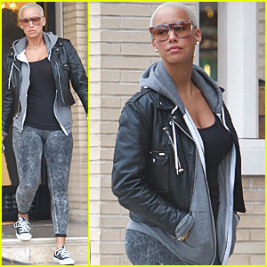 Amber Rose Leaves in a Lamborghini