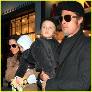 Angelina Jolie & Brad Pitt: Lee's Art Shop With the Twins!