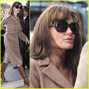 Angelina Jolie: Parisian 'Tourist'
