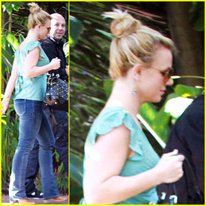 Britney Spears Heads to the Studio