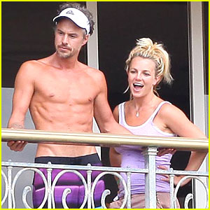 Manager: Jason Trawick Did Not Beat Britney Spears