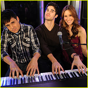 Darren Criss Hits The Seven's Keyboard