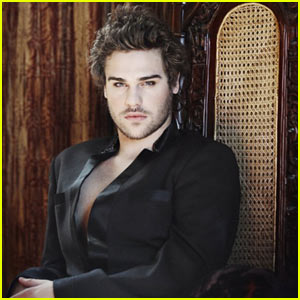 Grey Damon: Troix Magazine Man
