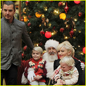 Gwen Stefani: Santa Claus Visit with Family!
