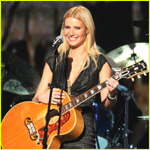 Gwyneth Paltrow Joining 'Rock of Ages' Movie?