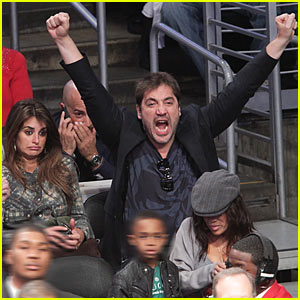 Javier Bardem: Lakers Game with Pregnant Penelope!
