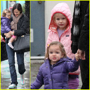 Jennifer Garner: Bowling with Violet &#038; Seraphina!