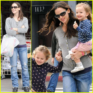 Jennifer Garner: Shopping Spree with Violet & Seraphina!