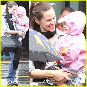 Jennifer Garner, Violet & Seraphina: Disney On Ice!