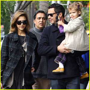 Jessica Alba: Family Stroll with Cash & Honor Warren