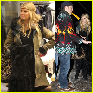 Jessica Simpson: Aspen Vacation with Friends!