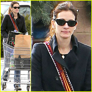 Julia Roberts: Post Christmas Shopping!