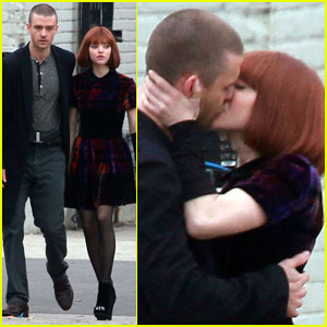 Justin Timberlake & Amanda Seyfried: 'Now' Kissing