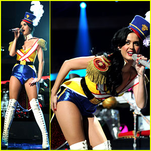Katy Perry: Z100 Jingle Ball 2010!