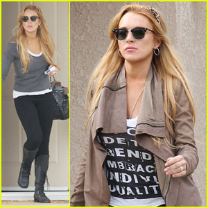 Lindsay Lohan: Identify Trends Embracing Individuality!