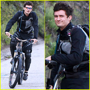 Orlando Bloom: Biking in Brentwood