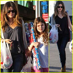 Rachel Bilson: Christmas Shopping Sister!
