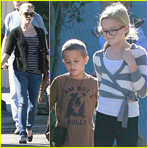 Reese Witherspoon: Church with Ava, Deacon and Jim Toth!