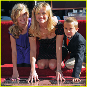 Reese Witherspoon: Hollywood Walk of Fame Star!