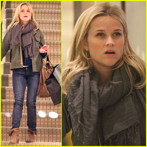 Reese Witherspoon: Thinking About Christmas Presents
